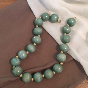 Jewelry - Large turquoise wooden bead choker necklace